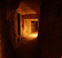 15731_roma_scorcio_dell_intero_di_una_catacomba_romana