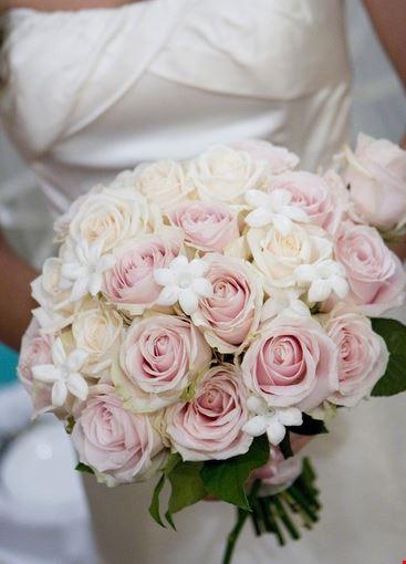 Bouquet Sposa Gelsomino.Foto Bouquet Sposa A Pisa 367x550 Autore Francesca Ferrucci