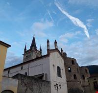 Facciata della Cattedrale di San Giusto e Porta Savoia