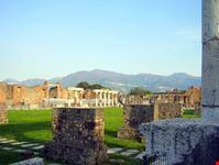 pompei veduta del foro di pompei