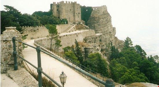 16069 erice il castello
