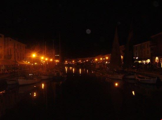 16112 cesenatico il porto-canale leonardesco di notte