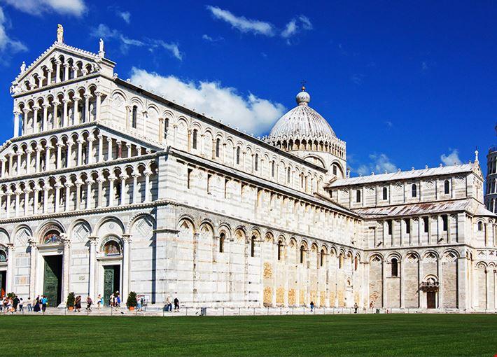 Piazza_dei_Miracoli_Pisa