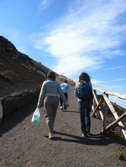 napoli la salita al cratere