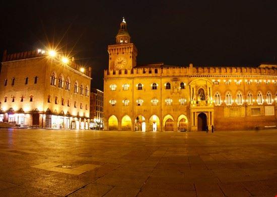 16271 bologna piazza maggiore