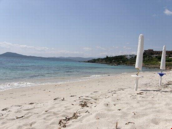 16371 olbia bados con ombrelloni del chiringuito