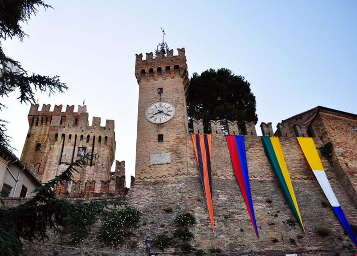 La torre dell'orologio e la Rocca