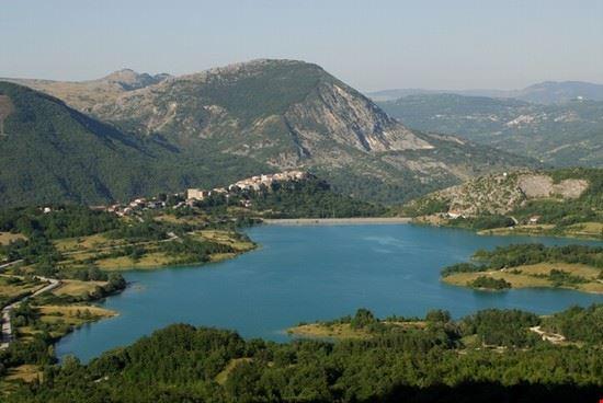 16424 castel san vincenzo lago di castel san vincenzo