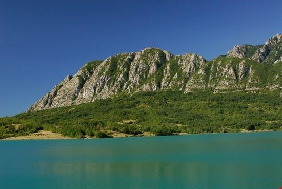 16425 castel san vincenzo lago di castel san vincenzo