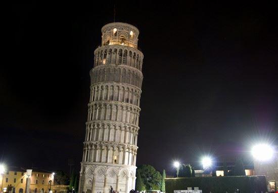 16432 pisa la torre pendente