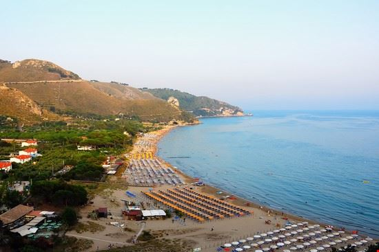 Matrimonio Spiaggia Sperlonga : Spiaggia di sperlonga