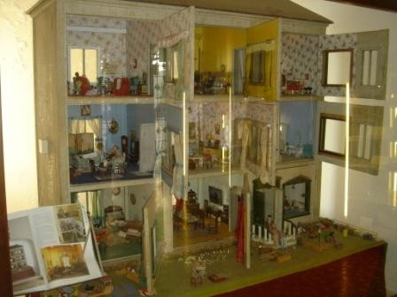 La casa delle bambole a scuola con la centoxcento - 4 6