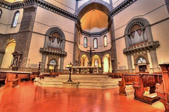 16489 firenze particolare dell interno della basilica