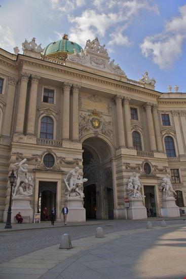 vienna l ingresso principale al palazzo di hofburg
