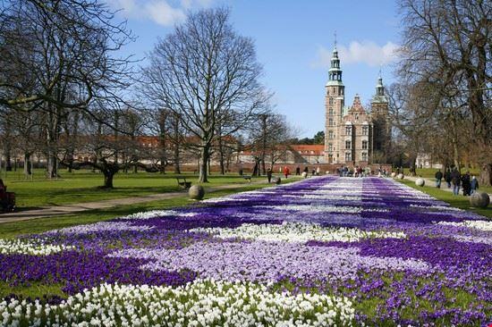 Foto i giardini del castello in fiore a copenaghen 550x366
