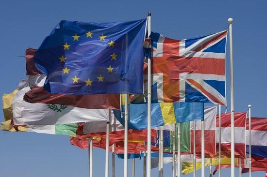 16520 strasburgo le bandiere degli stati europei