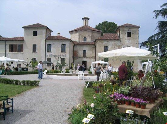 OrTicino - Scorcio della villa