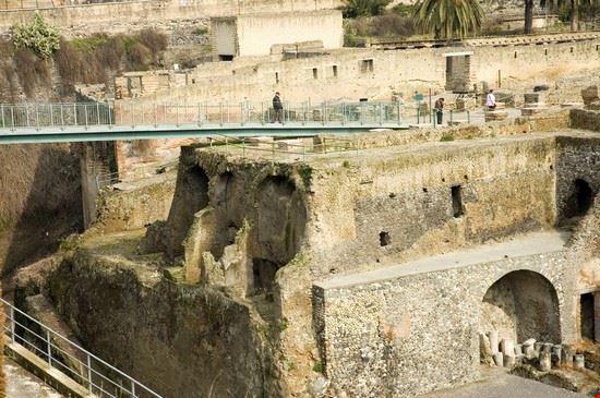 16628 ercolano gli scavi archeologici di ercolano