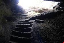 catania grotta di scorrimento lavico