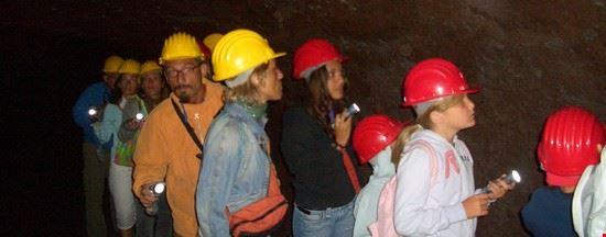 Le grotte di scorrimento lavico