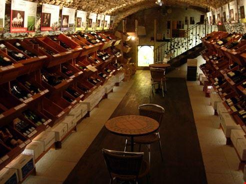 La cantina super fornita di C comme Champagne, a Epernay