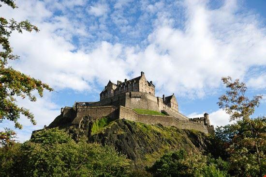 17506 edimburgo castle rock