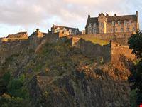 edimburgo castle rock al tramonto