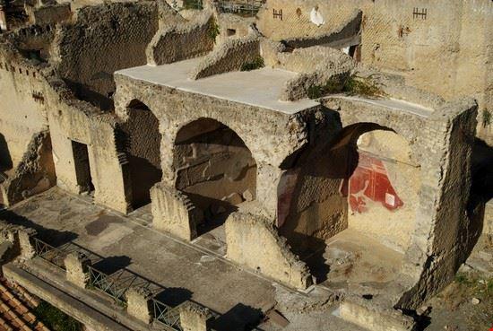 17619 napoli gli scavi archeologici di ercolano