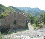 Il borgo di Lozzole