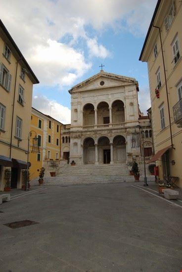 Il Duomo e la Via Dante