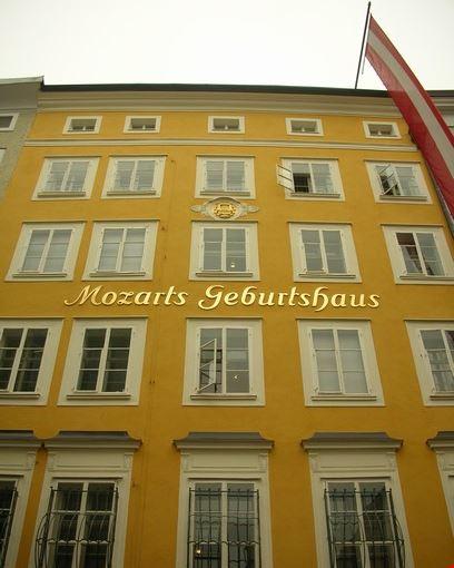 photo salisburgo casa natale di wa mozart photos de salzbourg et images 408x550 autore. Black Bedroom Furniture Sets. Home Design Ideas