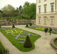 17899 salisburgo giardini del castello di mirabello
