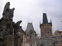 praga gruppo scultoreo sul ponte
