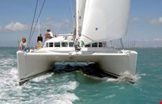 fiumicino noleggio catamarano charter catamarano