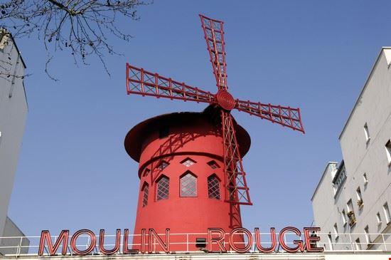 18073 parigi il piu celebre locale a luci rosse di pigalle