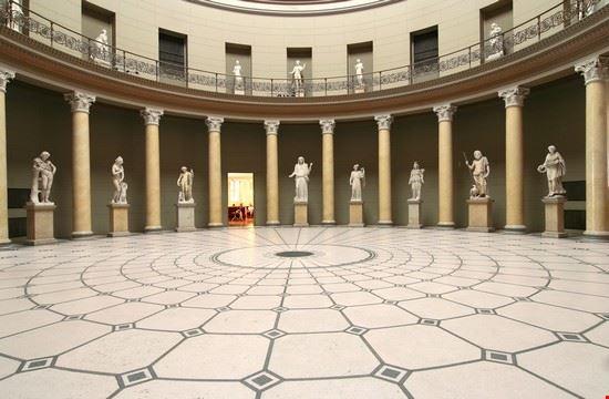 18082 berlino altes museum