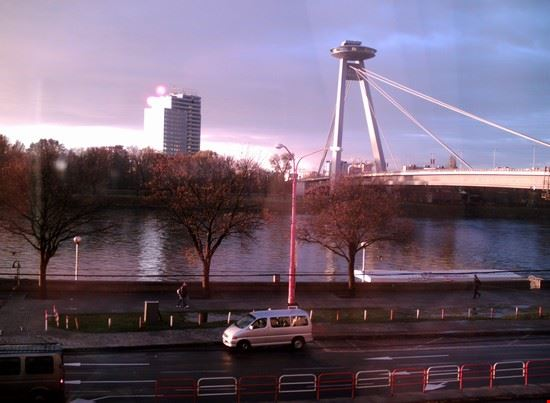 18123_bratislava_nuovo_ponte