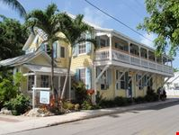 miami angelina guesthouse