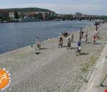 18276_praga_lungo_il_fiume