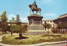 catania monumento a vittorio emanuele ii