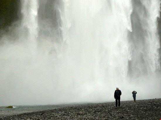 18400 reykjavik skogafoss