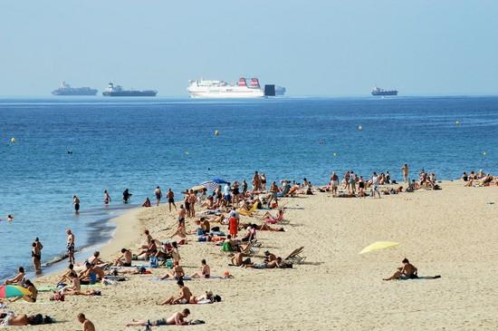 Spiaggia del bogatell barcellona for Villaggi vacanze barcellona