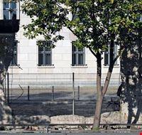 18585 berlino il tratto di muro nel quartiere