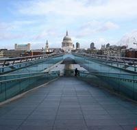 18668 londra particolare del millennium bridge