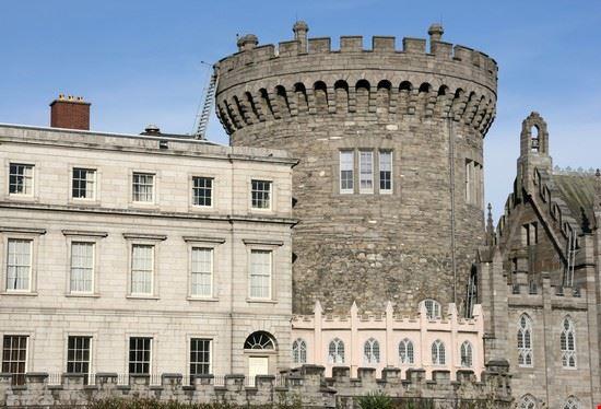 18749 dublino particolare di una torre del castello di dublino