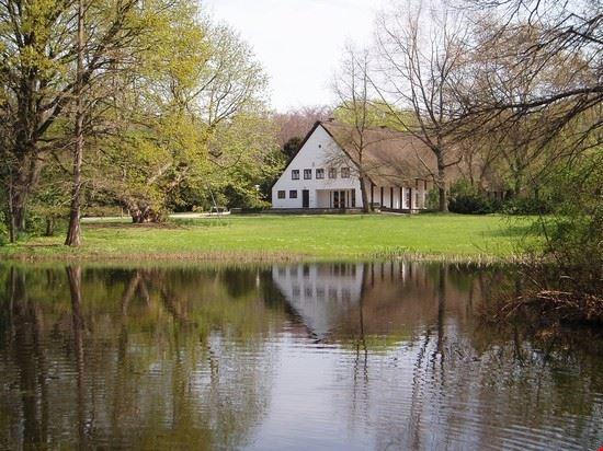 18887 berlino il lago del parco di tiergarten