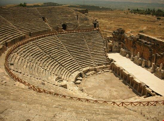 18997 antalya hierapolis anfiteatro