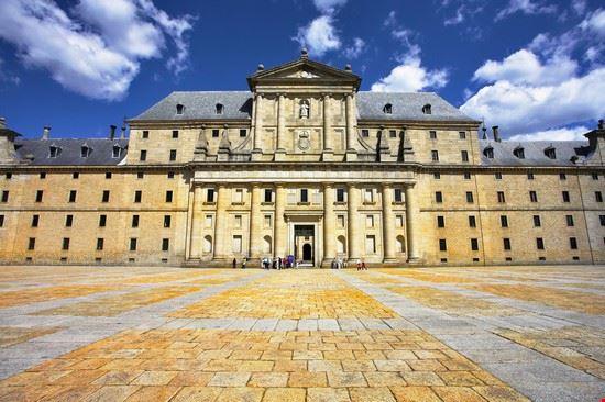19176 madrid la facciata principale del palazzo reale
