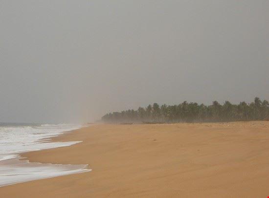 lome la spiaggia di ouidah