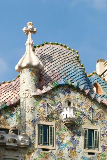 Foto la facciata di casa batllo a barcellona 367x550 for Villaggi vacanze barcellona